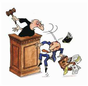 juez-golpea
